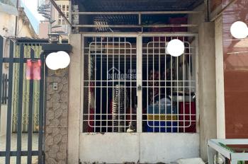 Bán nhà nát mặt tiền đường 11, Phước Bình,Q9. dt 59m2 CN