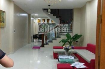 Cho thuê nhà riêng mặt ngõ Nguyễn Khánh Toàn, đầy đủ đồ, giá 11tr/th. LH: 0914.838.353