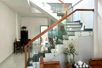 Bán nhanh nhà mới xây 2 tầng full nội thất P. Thọ Quang. LH: 0901979196