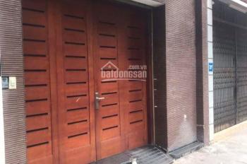Cần bán nhà đẹp tại Yên Hoà - Cầu Giấy. LH: 0964268694