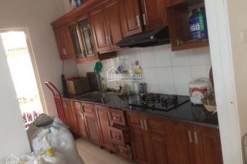 Cho thuê căn hộ 2 ngủ KĐT Việt Hưng Long Biên. 5,5tr, 75m2. LH: 0983957300