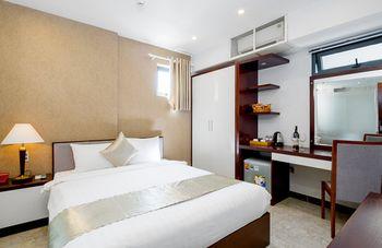 nhà 4 lầu mới đẹp, gồm 12 phòng full NT  tại hẻm 10m  18a nguyễn thị minh khai, giá 55 triệu/ tháng
