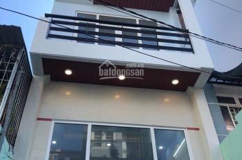 Cho thuê nhà HXH đường Cộng Hòa, 6,3x22m, 3 lầu, giá 30 triệu
