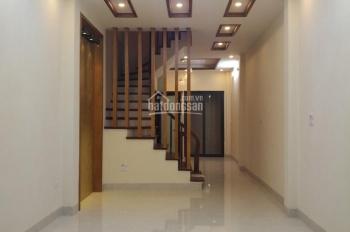 Bán nhà Dương Văn Bé, Vĩnh Tuy, sau mặt phố 1 nhà, ô tô đỗ cửa, DT 48m2x5T, giá 4,9 tỷ