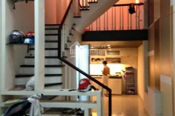 Cho thuê nhà trần cung, nghĩa tân, cầu giấy  38m x 5T  giá 10tr/th cách ô tô 15m ( ở gia đình