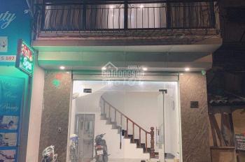 Cho thuê nhà mặt ngõ 279 Đội Cấn 30m2 x 5 tầng, MT4,5m, nhà mới mỗi tầng 1 phòng full nội thất.