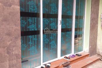 Chính chủ bán gấp nhà 3 tầng ngõ 58 Nguyễn Khánh Toàn MB: 30m2, ngõ rộng, khu dân trí cao
