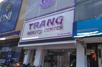Cần cho thuê nhà mặt phố Lê Ngọc Hân, 80m2x 4 tầng. MT 4.5m. giá 57tr/tháng. LH 0866899540