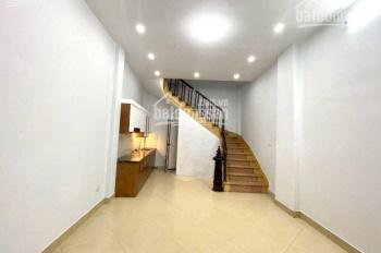 Cần tiền bán gấp căn nhà Quang Trung 30m2*4T*3PN đất vuông vắn nở hậu, oto đỗ gần