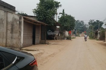 Bán lô 2300m2 đất có 200m2 thổ cư , mặt đường nhựa xã Vân Hòa, Ba Vì. Có ao, Giá rẻ.