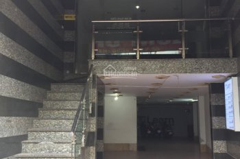 Cho thuê nhà mặt phố Bạch Mai: Diện tích 110m x 8 tầng, có tầng hầm, thang máy, mặt tiền 5m, nở hậu
