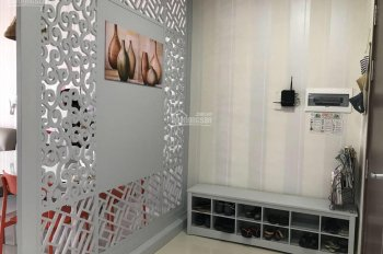 cần tiền bán nhanh căn hộ 3 phòng ngủ galaxy 9, DT 122m2 giá bán 5.6ty, tầng cao, đã có sổ hồng