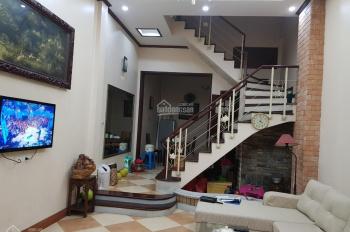 Cho thuê nhà đẹp Nguyên Hồng gần Láng Hạ, Nguyễn Chí Thanh. DT 45m2 x 5tầng, MT 4,5m, giá 18tr/th