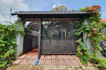 Bán nhà 1 lầu + 6 p trọ cao cấp thu nhập cao, gần Lái Thiêu. Giá 3 tỷ 9