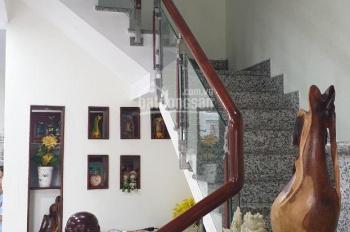 Bán nhà mặt tiền Phạm Công Trứ, Thạnh Mỹ Lợi, Q2, (5,7mx17,5m), giá 9.2 tỷ, LH 0922055279