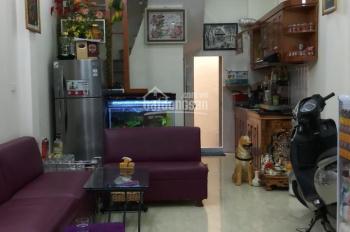 Cho thuê lâu dài nhà gần hồ Văn Chương