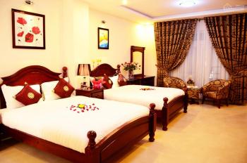 Bán tòa khách sạn Lê Văn Lương, Cầu Giấy, 150m2, mặt tiền 25m, 73 tỷ. Liên hệ: 0948477682