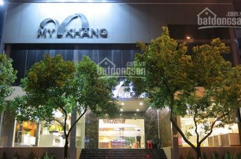 Cho thuê nhà ngang 8m đường Võ Văn Tần, Quận 3