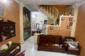 Cần Bán Nhà 50m2 sổ đỏ Chính Chủ, 4 tầng Nhà Trong Ngõ phố Dịch Vọng. LH: 096 123 8999.