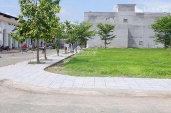 Bán lô đất 10 x 20m mặt tiền Phan Văn Hớn cách chợ Bà Điểm 800m giá 2,6 tỷ sổ riêng full thổ cư
