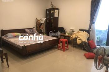 Nhà thuê khu sân bay Tân Sơn Nhất, Tân Bình. DT 8x25m, 3lầu sân thượng, sân trước, sân sau - Có Nhà