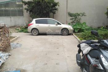 Bán đất ngõ 92 Ngô Xuân Quảng, 35m2, ô tô vào đất giá 49tr/m2.