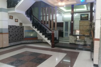 Cho thuê nhà  4 TẤM MẶT TIỀN 8PN LỚN đường Nguyễn Hữu Thọ,  P.Tân Phong, Quận7