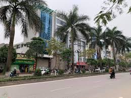 Cho thuê nhà mặt phố Tân Mai, vị trí đẹp, có vỉa hè, nhà đẹp, rộng, giá 47 triệu/th, LH 0987074884