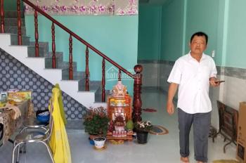 Chính chủ cần bán căn nhà cách chợ Bình Chánh 3km, TT 650tr, sổ hồng riêng 0937167862