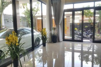 Cho thuê mặt tiền đường Hoa Đào, Q. Phú Nhuận. DT: 8x18m giá: 30 triệu/th. LH: 0989685403