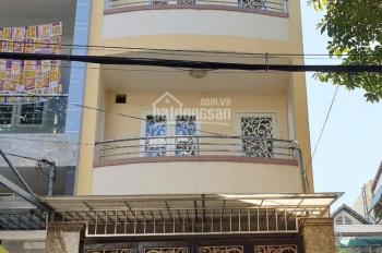 Bán nhà 1 trệt 2 lầu CN 62m2 đường 18A, gần công viên và chợ Phước Bình. LH 0919451133 Bình