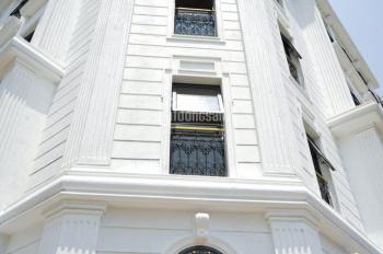 Cho thuê nhà mặt phố Bạch Mai, DT 120m2 7 tầng, thông sàn, giá thuê 115 triệu/tháng