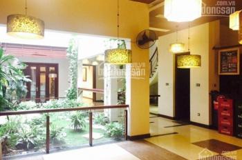 Cho thuê mặt phố Bùi Thị Xuân, DT 410m2 x 3 tầng, MT 18m, giá tốt, vị trí đắc địa, 0988844074