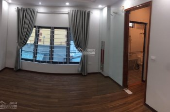 Chính chủ bán nhà ngõ 32 đường Nguyễn Hoàng Tôn, Xây 5 Tầng, Gần Hồ Tây, Giá 2.85 Tỷ