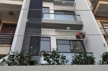 Chuyển nhượng căn nhà 5 tầng xây độc lập Nguyễn Đức Cảnh - Lê Chân, có thang máy, có sân cổng riêng