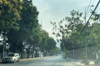Bán đất mặt tiền đường Nguyễn Văn Hưởng, Quận 2 lô góc đẹp 3 mặt tiền sổ hồng, call 0977771919