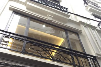 Số nhà 38B lô TT ĐTM Trung Yên (0975983618) giá 35 triệu/th, thang máy, chính chủ thuê nhà 5 tầng