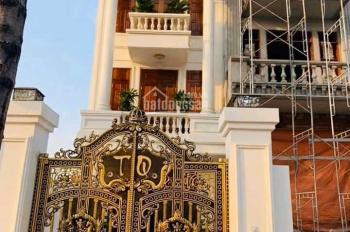 Nhà mặt tiền Nguyễn Văn Trỗi, siêu VIP, để lại toàn bộ nội thất