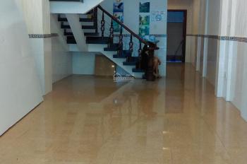 Nhà cho thuê hẻm xe hơi đường C18, Phường 12, Tân Bình. Nhà 2 lầu đẹp giá 20 triệu/tháng