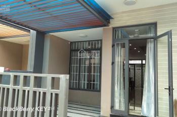 Cho thuê nhà phố Lavila Nhà Bè, có nội thất, giá 24tr/th bao phí quản lý