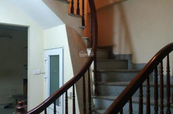 Chuyển ra chung cư tìm người sạch sẽ thuê phòng, đầy đủ nội thất chỉ việc tới ở