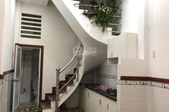 Cần bán gấp nhà mới đẹp, 4 tấm, hẻm đường Bạch Vân, Q. 5, giá rẻ