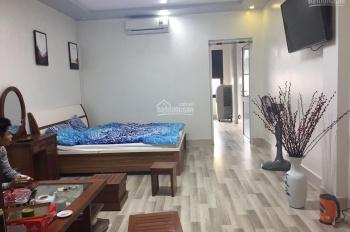 Cho thuê căn hộ đủ đồ mặt phố Hàng Thùng: Diện tích 70m2, 2 ngủ, đủ đồ, có bếp, thang máy, view đẹp