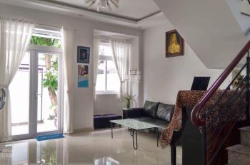 Cho thuê gấp nhà nguyên căn hẻm xe tải, Nguyễn Đình Chính - Full nội thất rất đẹp
