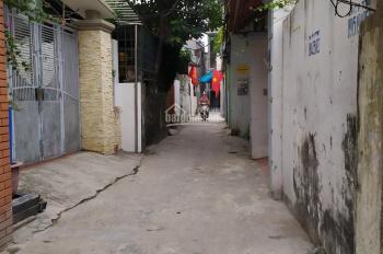 Cần bán 31m2 tại tổ 10 phường Thạch Bàn, quận Long Biên, HN. Giá 1.25 tỷ