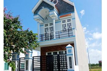 Nhà mặt tiền đường 16 mét tại xã Bình Chánh, gồm 1 trệt 2 lầu gần chợ Bình Chánh. Giá chốt 2.2 tỷ