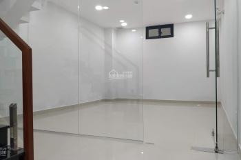 Cho thuê nhà MT Hoa Lan, P.02, Phú Nhuận, 4x18m, hầm 5 lầu, giá 50tr/th.