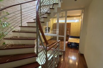 Cho thuê nhà riêng ngõ 67 Thái Thịnh DT 50m2 x 5T, MT 4m, nhà đẹp đủ ĐH giá 24 triệu/tháng
