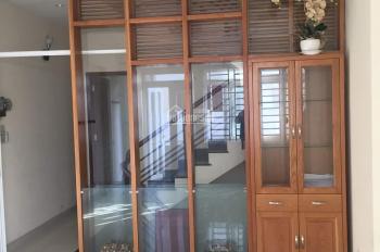Cho thuê phòng Trần Não Q2, khu đối diện công viên cầu Sài Gòn, khu biệt thự cao cấp 30m2, 4tr/th