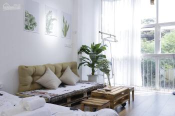 Cho thuê căn hộ đủ đồ phố Hàng Muối, gần Hàng Tre